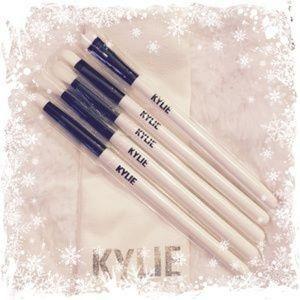 Kylie Jenner brushes